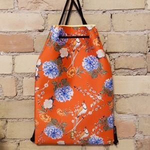3/$25 ❤️ Triangl neoprene beach bag NWOT